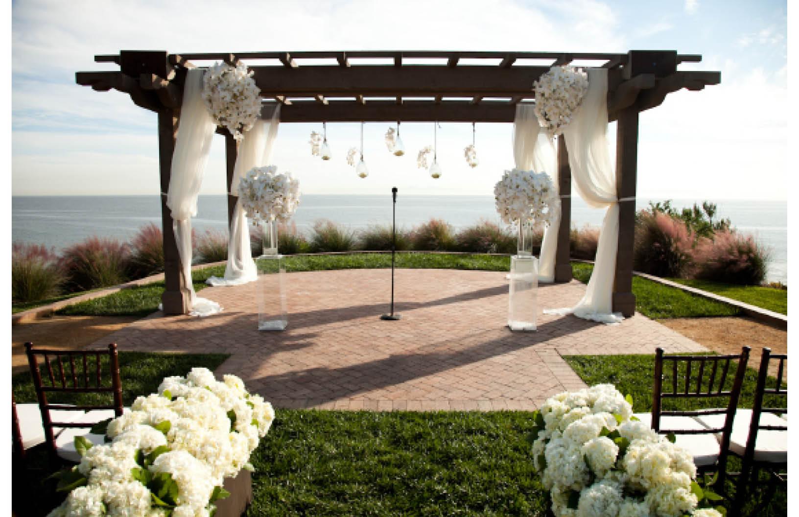 real weddings weddings and tagged adam sjoberg cupcakes couture manhattan beach nisies enchanted florist samuel lippke studios terranea resort